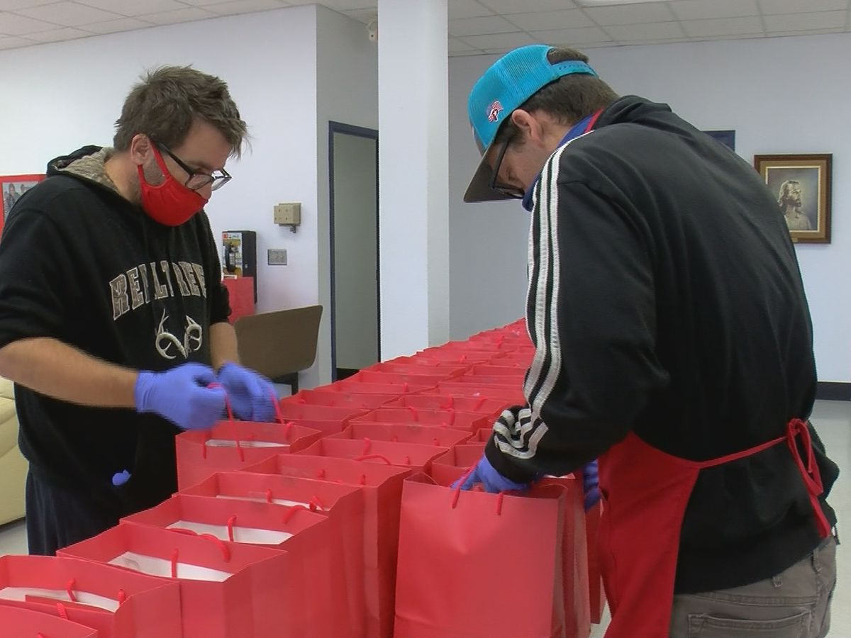 WF Salvation Army hands out Thanksgiving lunches to those in need