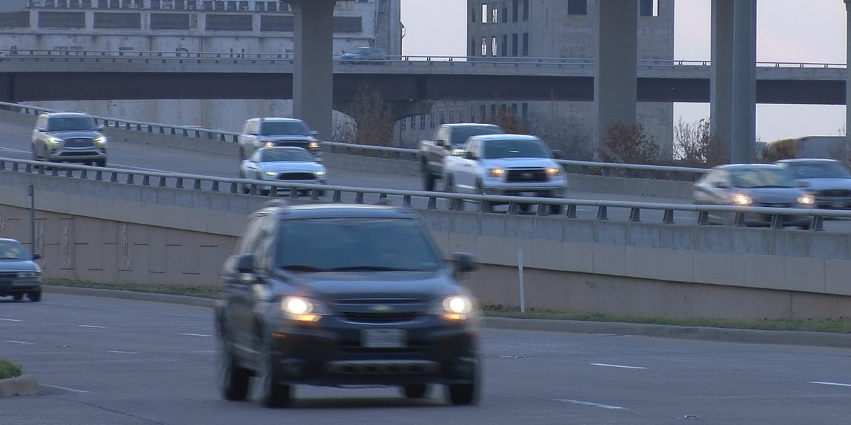 TxDOT preps roads ahead of possible overnight snow
