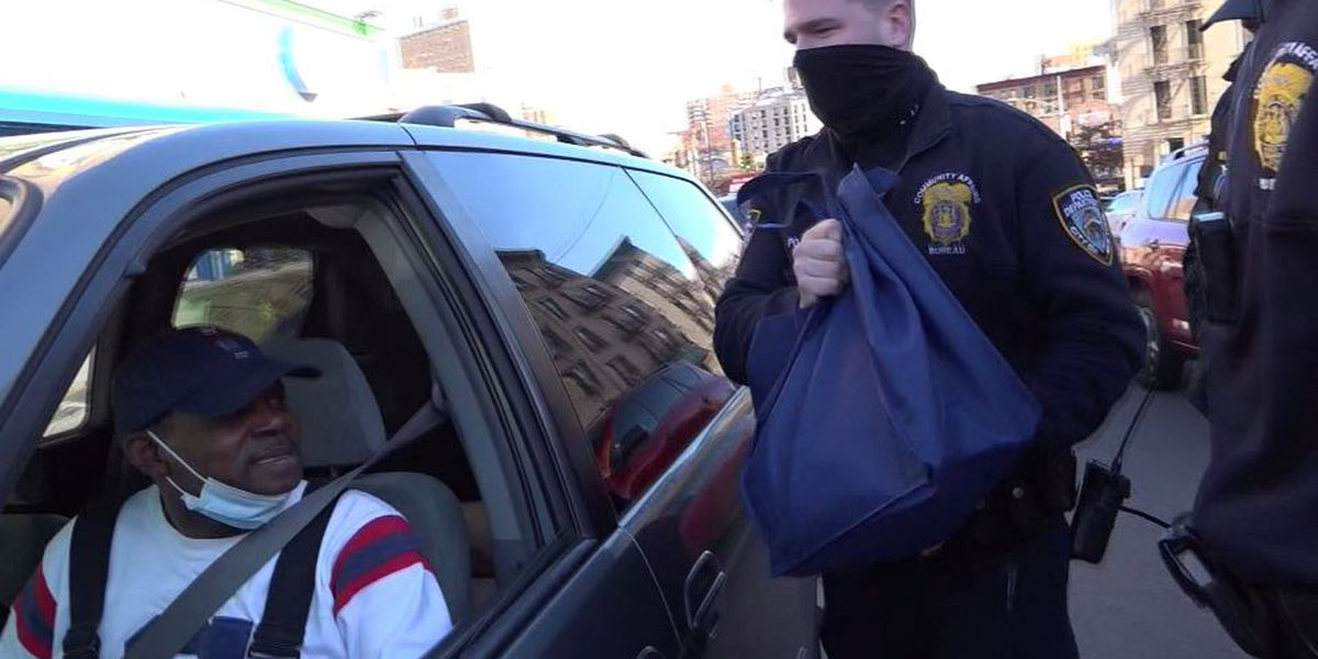 Officers hand out turkeys instead of tickets in NYC