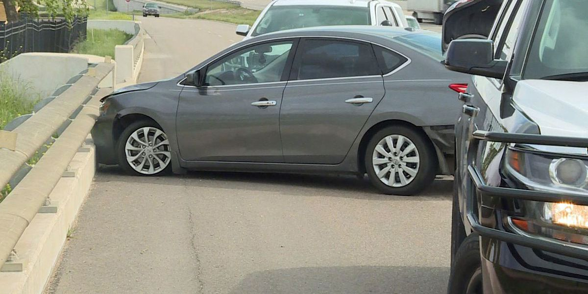 Driver of sedan tries to ram DPS unit during chase through Central Texas on I-35