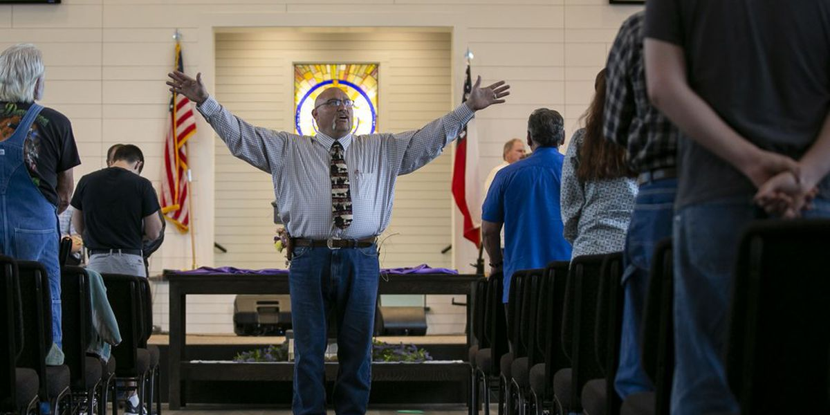 San Antonio-area church holds sermons during deadly pandemic
